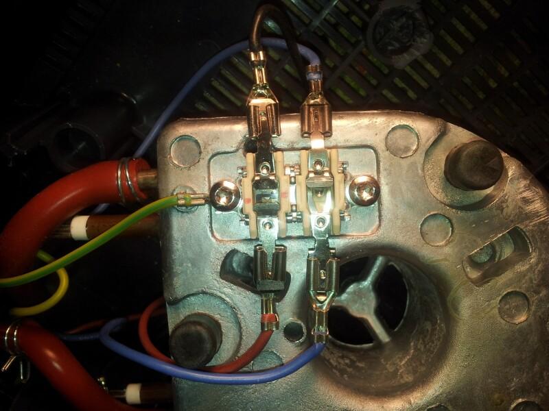 Fer table repasser fuite d eau sur centrale vapeur for Ma centrale vapeur ne fait plus de vapeur