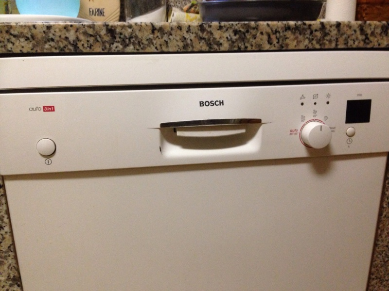 Lave vaisselle lave vaisselle bosch ronronne mais sans eau r par - Machine a laver la vaisselle bosch ...