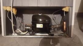 cong lateur fuite de gaz dun congelateur. Black Bedroom Furniture Sets. Home Design Ideas