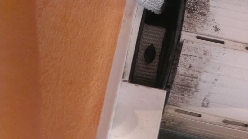 Volet porte remplacer ruban de volet roulant cass r par apprenez - Comment ouvrir une porte avec un tournevis ...