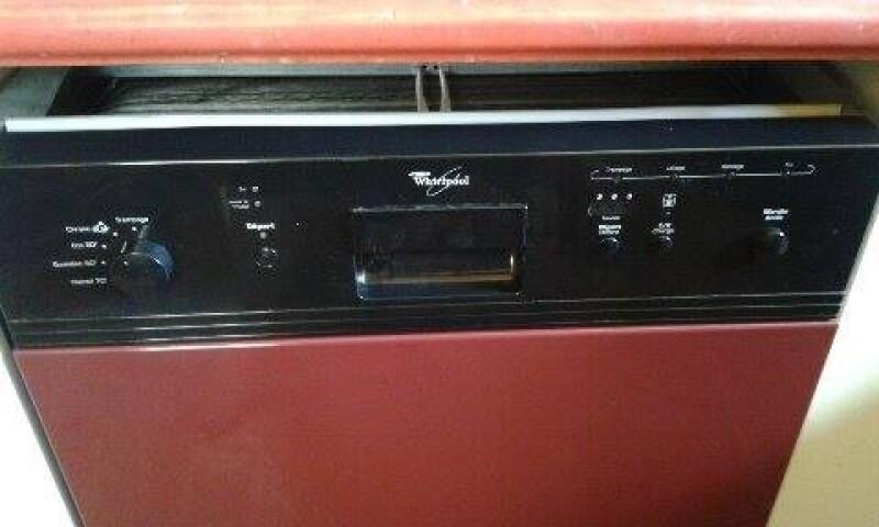 lave vaisselle bonjour mon lave vaisselle whirlpool ne. Black Bedroom Furniture Sets. Home Design Ideas
