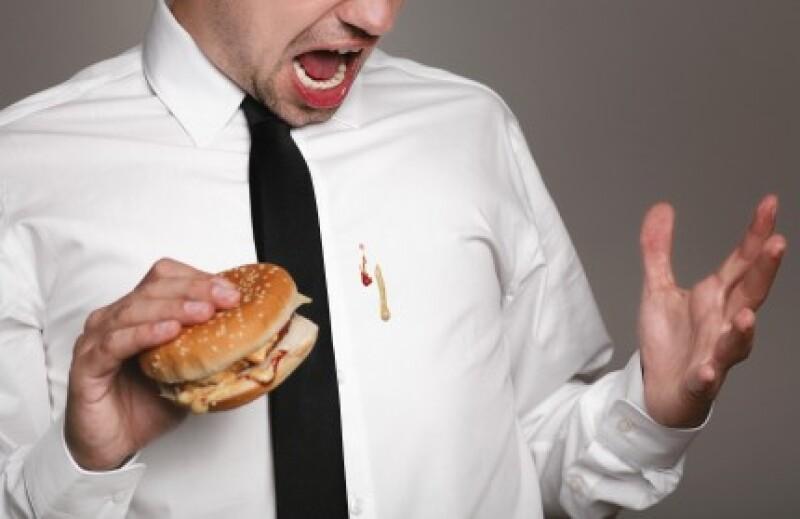 V tement faire partir une t che sur une chemise repass e - Tache de resine sur vetement ...