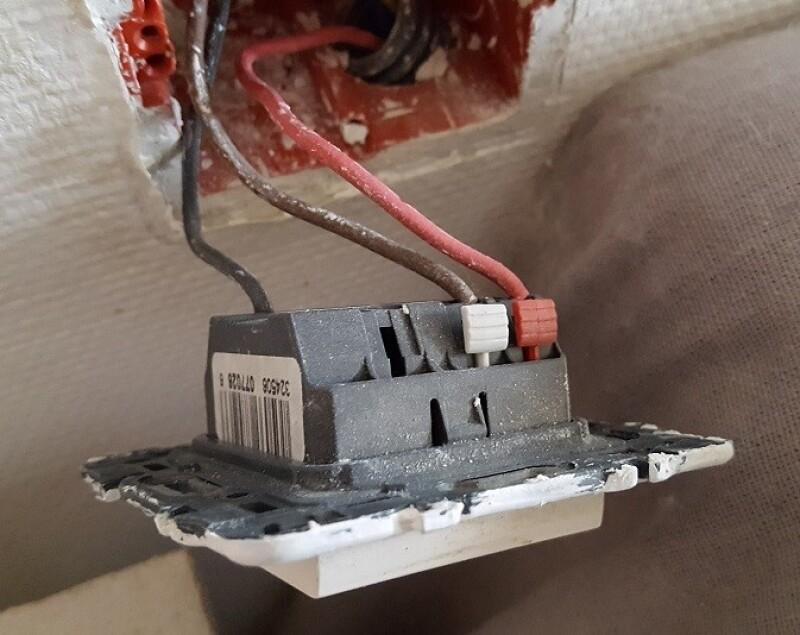 Electricit comment brancher kit telecommande volet roulant store comman - Monter un volet roulant ...