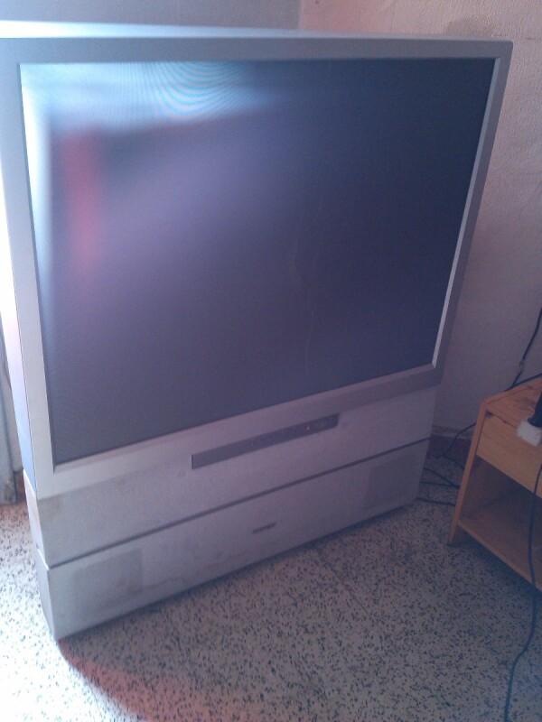r parer tv toshiba projection mod le 43vj13p et no serie 62102290 ne veut plus s 39 allumer. Black Bedroom Furniture Sets. Home Design Ideas