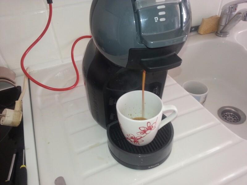 r parer machine a caf dolce gusto dont l eau ne coule plus. Black Bedroom Furniture Sets. Home Design Ideas