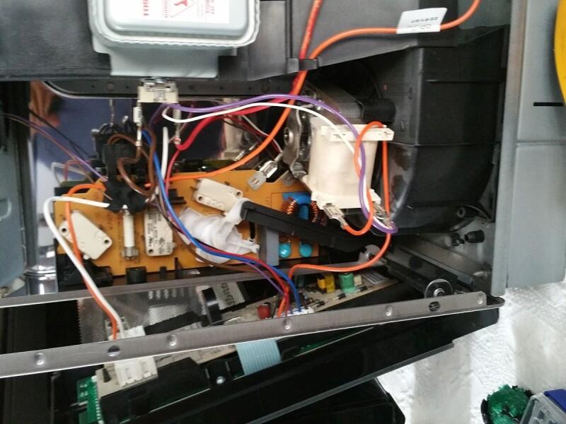 Bouton poussoir de la porte qui ne fonctionne plus - Porte fusible encastrable ...