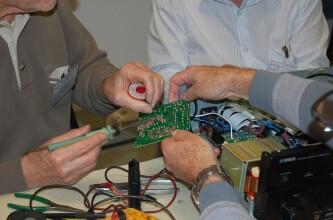 Photo Le Repair Café de Tours recherche des bénévoles bricoleurs pour un Repair Café dans le cadre du Téléthon