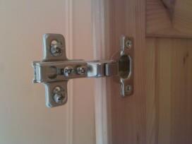 Charni res portes d 39 armoire ne tiennent plus - Comment reboucher une porte ...