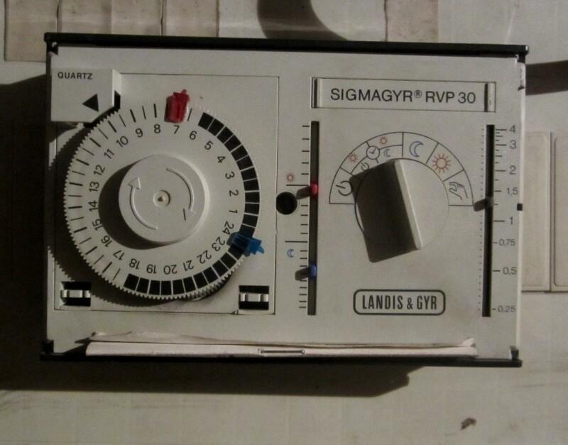 Chaudi re r parer un l 39 horloge d 39 un thermostat de chaudi re apprenez for Thermostat d ambiance saint denis