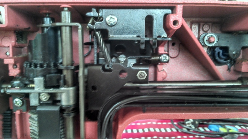 Recherche manuel de reparation machine a coudre husqvarna 150e carmen - Reparation machine a coudre ...