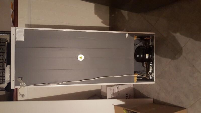 fuite de gaz dun congelateur. Black Bedroom Furniture Sets. Home Design Ideas