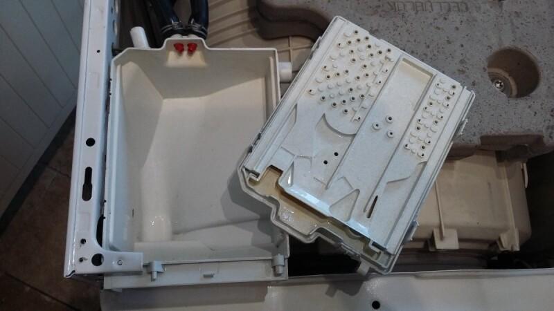 Lave linge fuite d 39 eau whirlpool awoe 9558 au demarrage - Fuite chauffe eau par le haut ...
