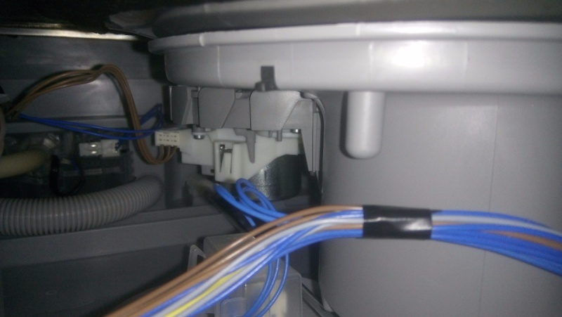 Probl mes de vidange lave vaisselle siemens - Colmater une fuite d eau sous pression ...