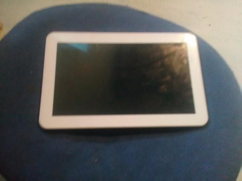 bonjours ma tablette ne veut plus se recharger m me avec un nouveau chargeur. Black Bedroom Furniture Sets. Home Design Ideas