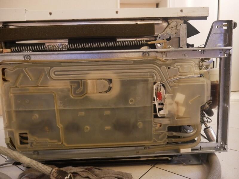 bloquage lave vaisselle bosch sms5072 en cours de programme. Black Bedroom Furniture Sets. Home Design Ideas